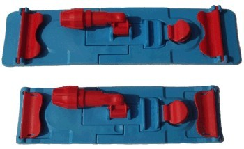 Držák plochých mopů z tvrzeného plastu v šířce 40 cm - pro mopy s jazy